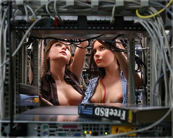 Демотиваторы с голыми девушками